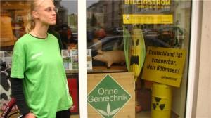 Woman in green t-shirt