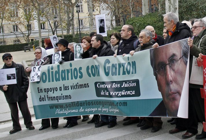 Baltasar Garzon solidarity protest