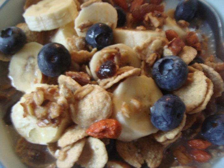 Granola with blueberries and banana!