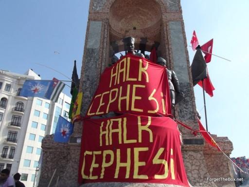 taksim square statue