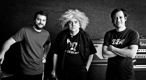 Aikin (left) and Allen with Buzz Osborne (centre) of the Melvins. Photo by producer Toshi Kasai.