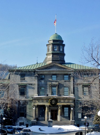 Mcgill_University_(Arts_Buildings,_closeup)