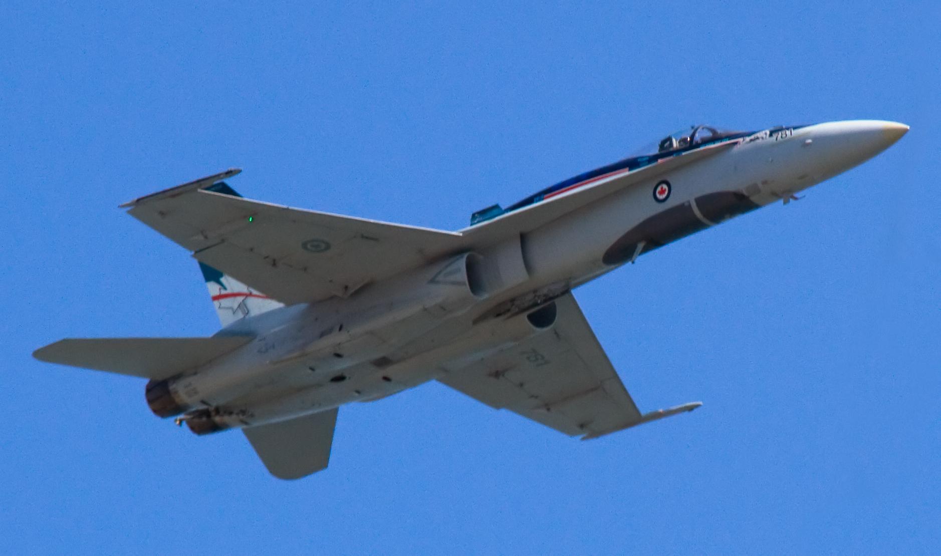 Canadian_McDonnell_Douglas_CF-18_Hornet_3_(7917628008)