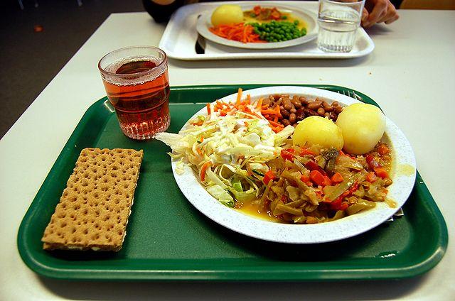 1-school-lunch