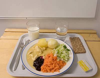 Finnish_school_lunch